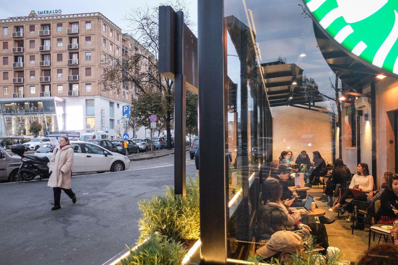 Esternidesign.it - Il nuovo store Starbucks in Garibaldi